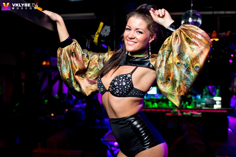 Прическа в ночной клуб своими руками 15