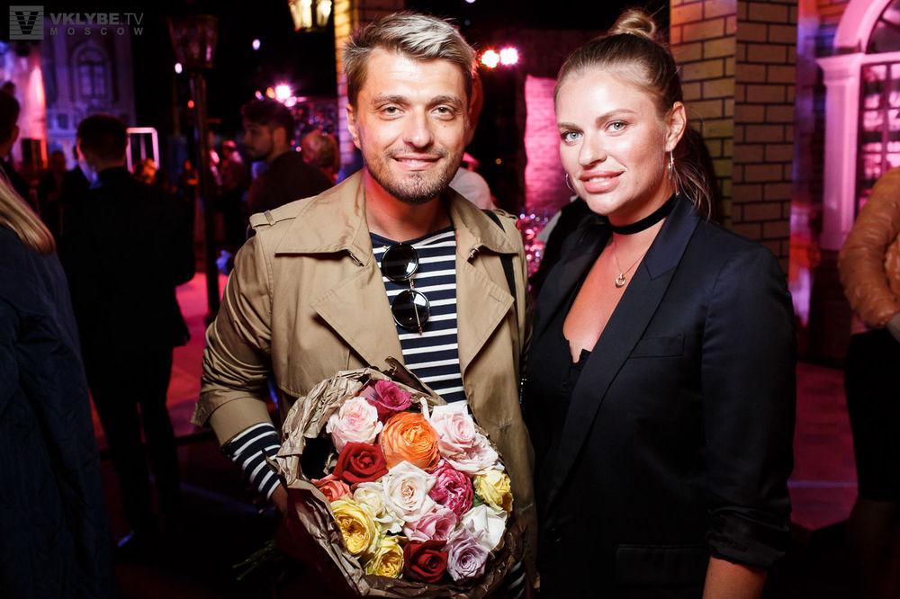 2268057fe153 Фотоотчет  Светская Хроника (Москва) – «Открытие нового сезона во ...
